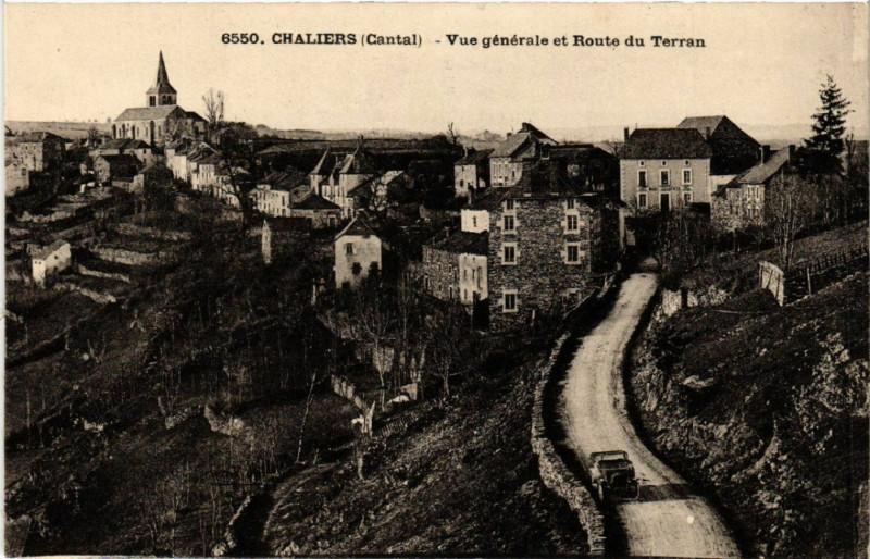 Carte postale ancienne Chaliers - Vue générale et Route du Terran à Chaliers
