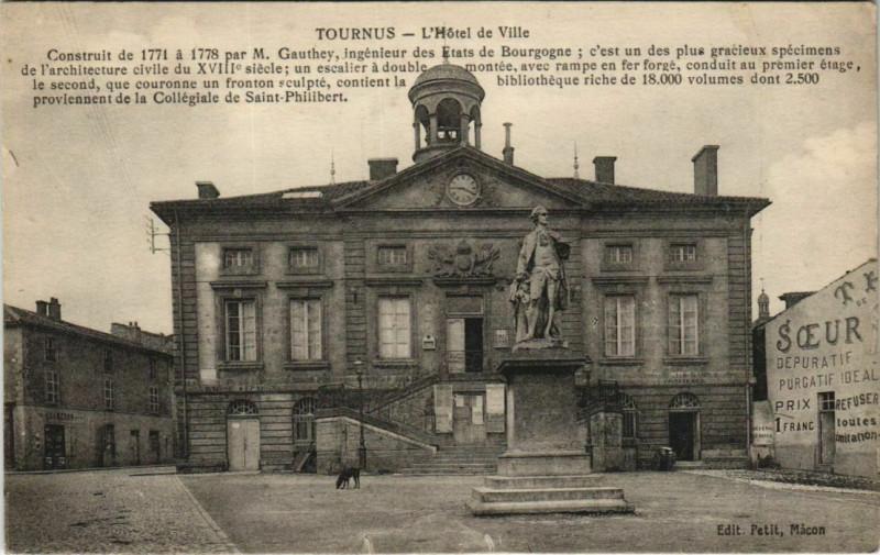 Carte postale ancienne Tournus - L'Hotel de Ville à Tournus