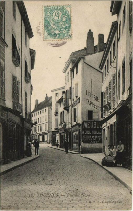 Carte postale ancienne Tournus - Rue du Nord à Tournus