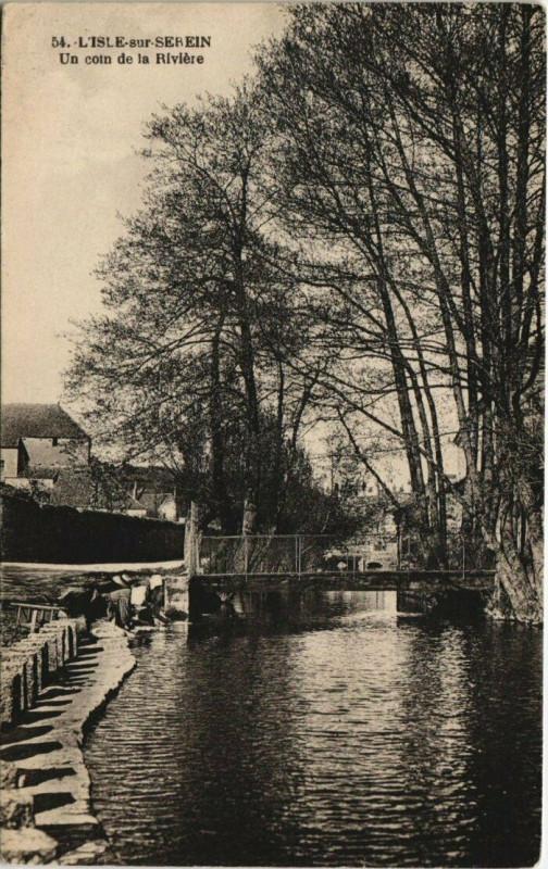 Carte postale ancienne L'Isle-sur-Serein - Un coin de la Riviere à L'Isle-sur-Serein