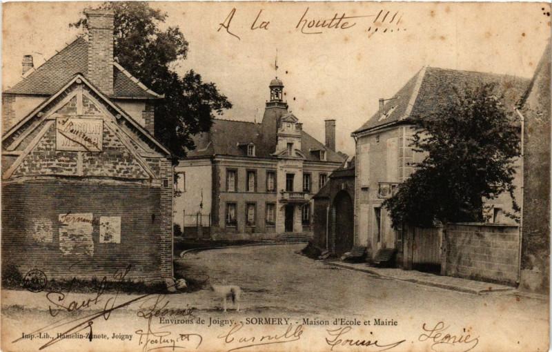 Carte postale ancienne Env. de Joigny - Sormery - Maison d'Ecole et Mairie à Joigny