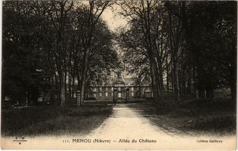 Carte postale ancienne Menou Allée du Chateau Nievre à Menou