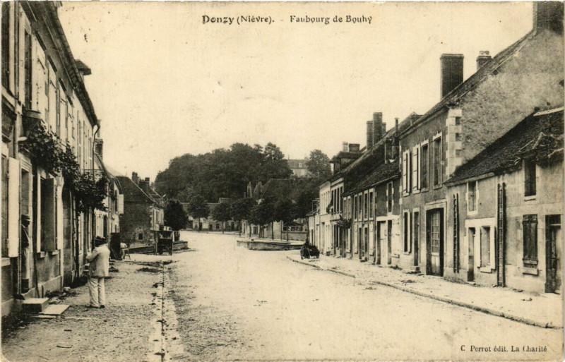 Carte postale ancienne Donzy-Faubourg de Bouhy à Bouhy
