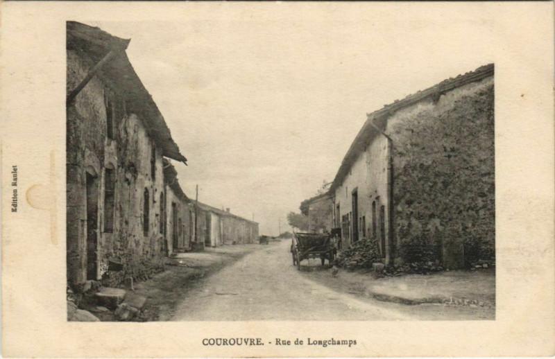 Carte postale ancienne Courouvre - Rue de Longchamps à Courouvre