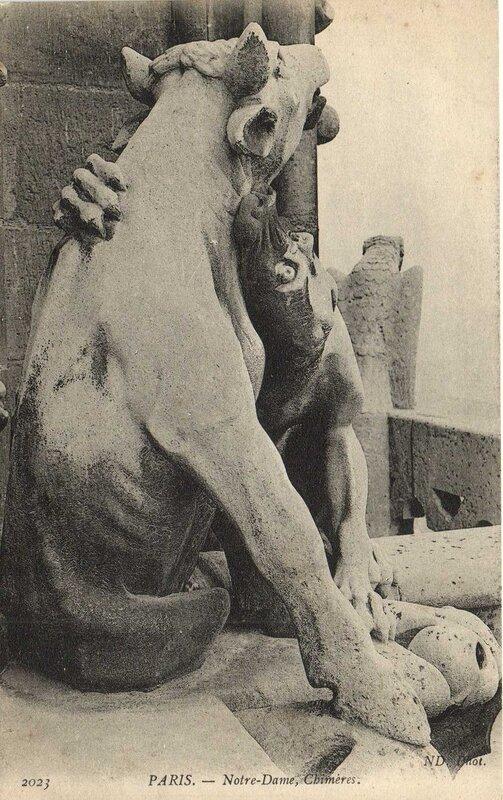 Carte postale ancienne Notre-Dame, Chimères à Paris 4e