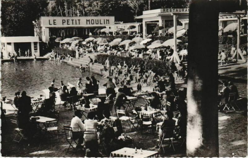 Carte postale ancienne Plombieres-les-Bains Piscine du Petit Moulin à Plombières-les-Bains