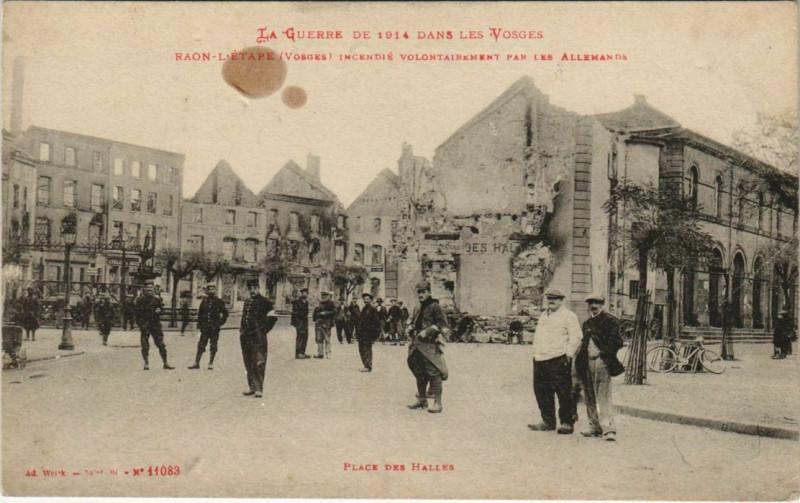 Carte postale ancienne Guerre Raon-l'Etape Place des Halles à Raon-l'Étape