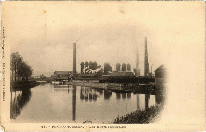 Carte postale ancienne Pont-a-Mousson - Les Hauts-Forneux à Pont-à-Mousson