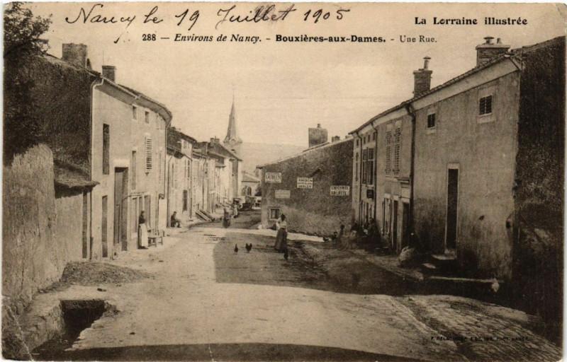 Carte postale ancienne Bouxieres-aux-Dames - Environs de Nancy - Une Rue à Bouxières-aux-Dames
