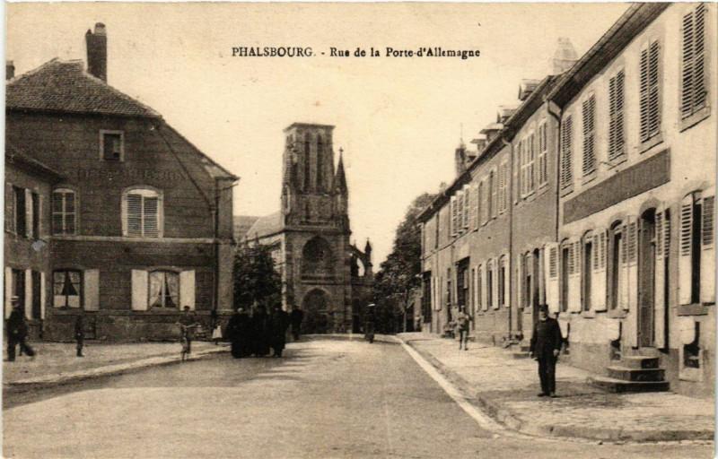 Carte postale ancienne Phalsbourg - Rue de la Porte d'Allemagne à Phalsbourg