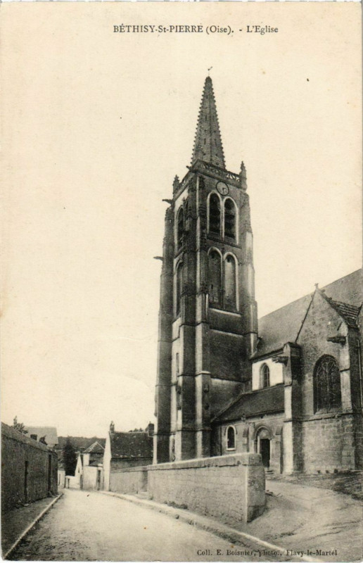 Carte postale ancienne Bethisy-Saint-Pierre - L'Eglise à Béthisy-Saint-Pierre