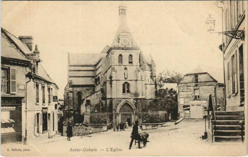 Carte postale ancienne Saint-Gobain - L'Eglise à Saint-Gobain