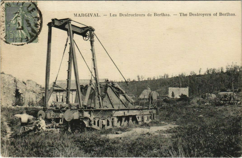 Carte postale ancienne Margival - Les Destructeurs de Berthas à Margival