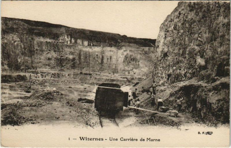 Carte postale ancienne Wizernes-Une Carriere de Marne à Wizernes