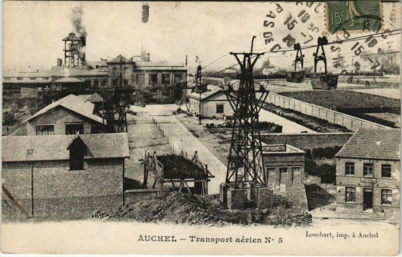 Carte postale ancienne Auchel - Transport aerien à Auchel
