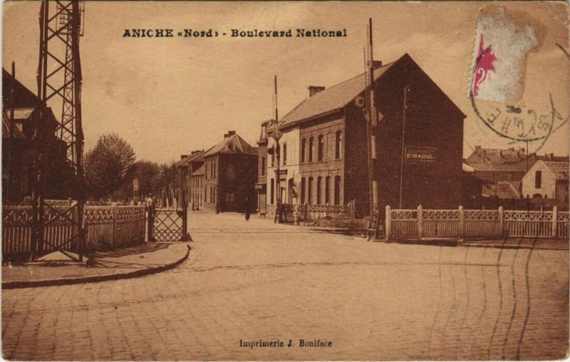 Carte postale ancienne Aniche - Boulevard National à Aniche