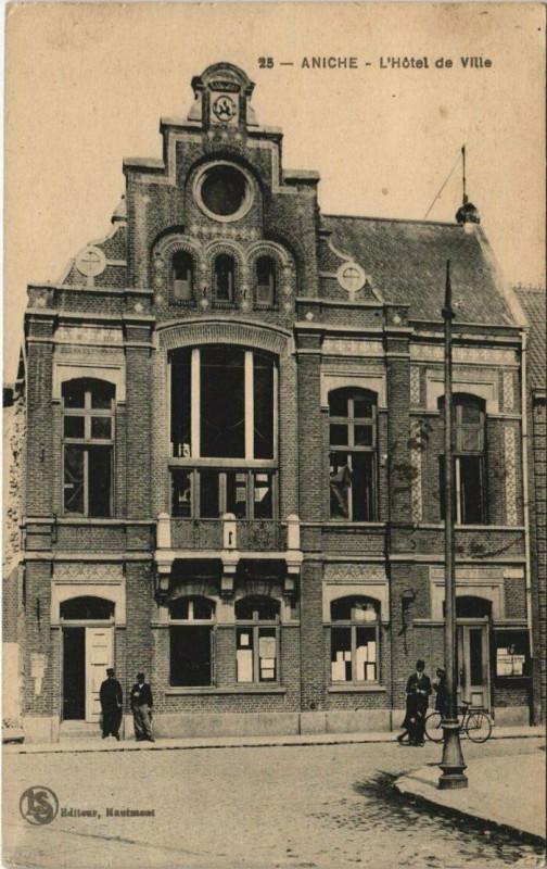 Carte postale ancienne Aniche - L'Hotel de Ville à Aniche
