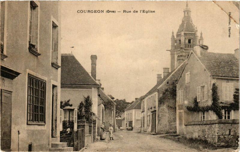 Carte postale ancienne Courgeon (Orne) - Rue de l'Eglise à Courgeon