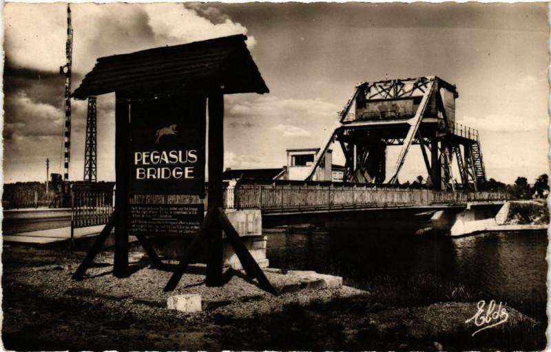 Carte postale ancienne Benouville - Pegasus Bridge : The firSaint-. à Bénouville