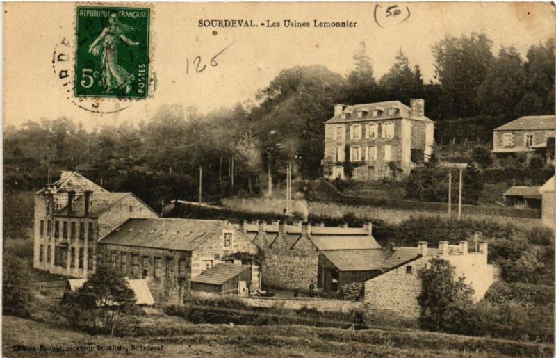 Carte postale ancienne Sourdeval - Les Usines Lemonnier à Sourdeval
