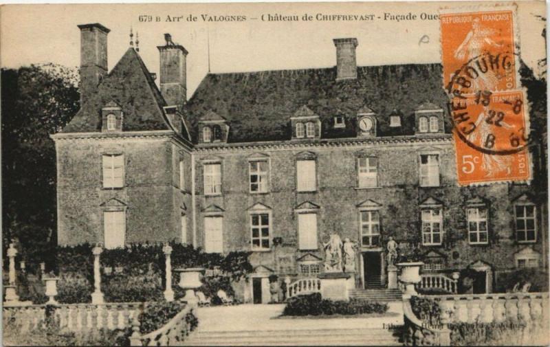 Carte postale ancienne Valognes - Chateau de Chiffrevast à Valognes