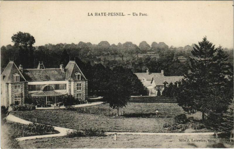 Carte postale ancienne La Haye-Pesnel - Un Parc à La Haye-Pesnel