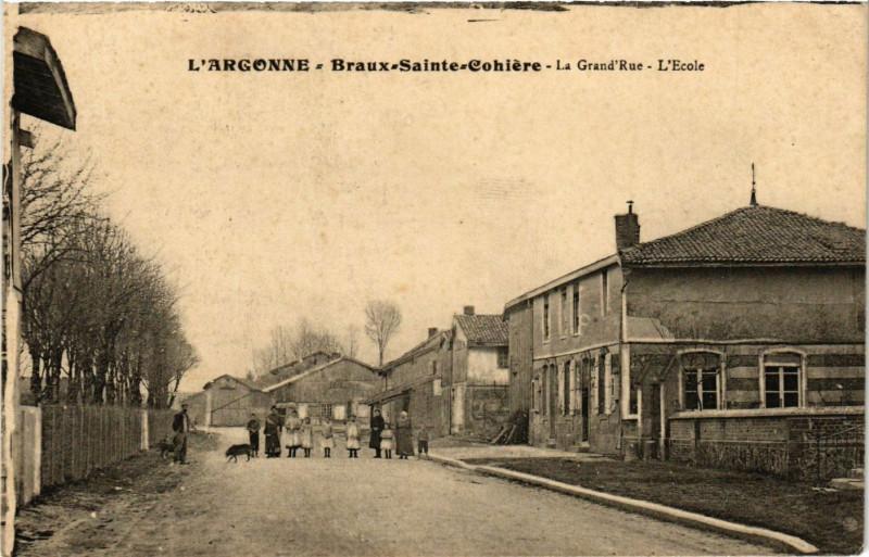 Carte postale ancienne Braux Sainte-Cohiere - La Grand'Rue à Braux-Sainte-Cohière
