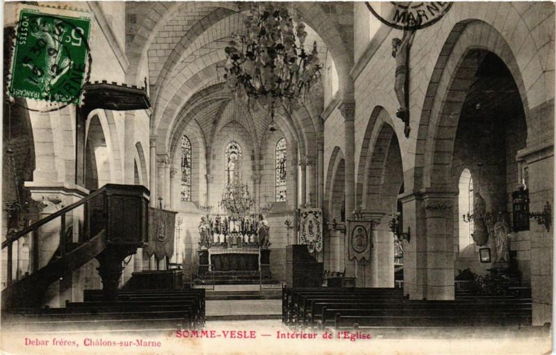 Carte postale ancienne Somme-Vesle Interieur de l'Eglise à Somme-Vesle