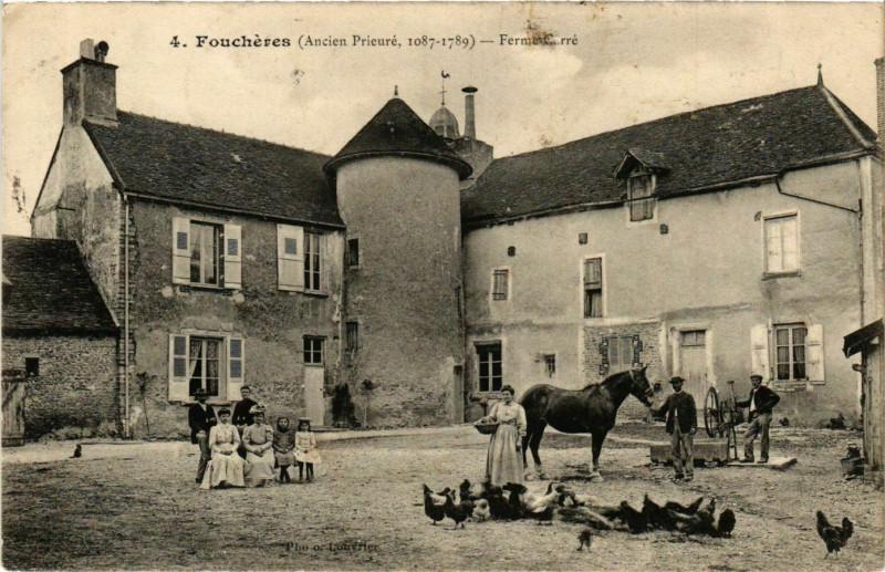 Carte postale ancienne Foucheres Ferme Carré à Fouchères