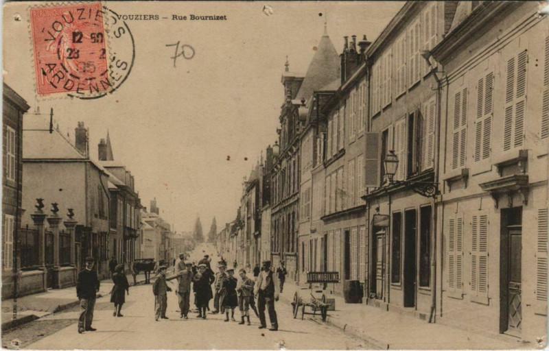 Carte postale ancienne Rue Bournizet à Vouziers