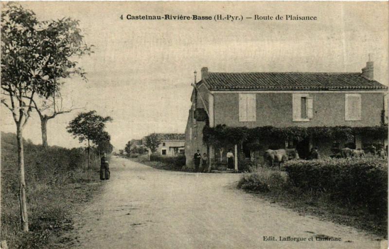 Carte postale ancienne Castelnau-Riviere-Basse Route de Plaisance à Castelnau-Rivière-Basse
