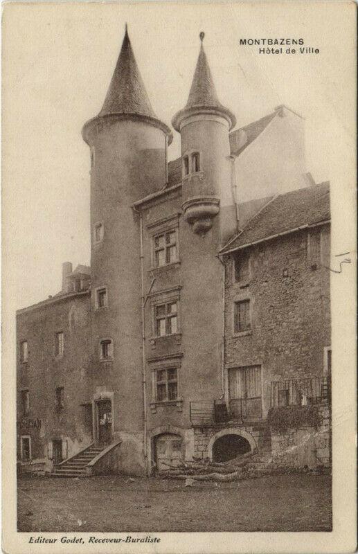Carte postale ancienne Montbazens - Hotel de Ville à Montbazens