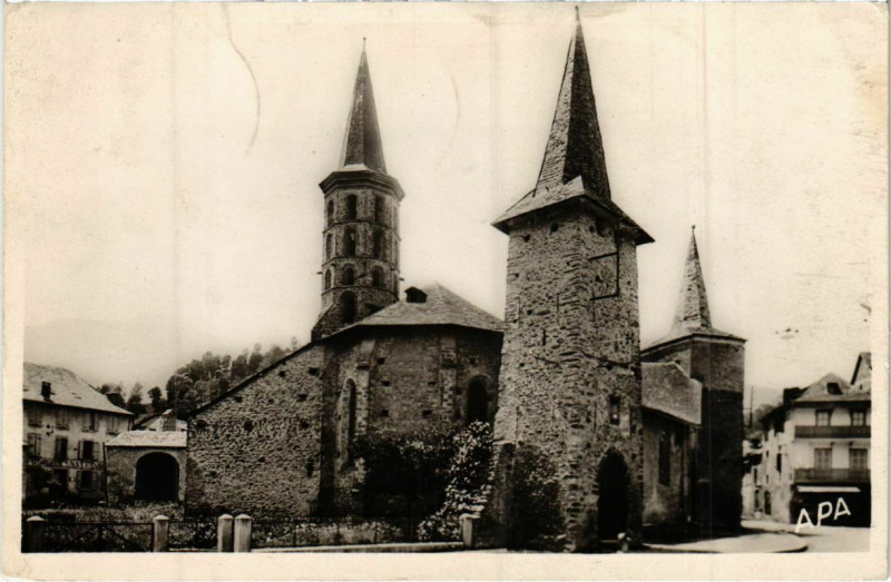Carte postale ancienne Sentein- Ancienne Eglise Fortifiee France à Sentein