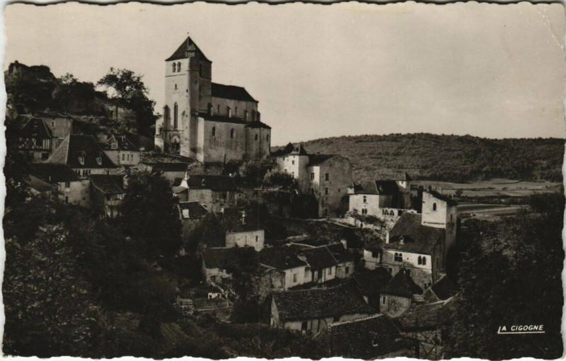 Carte postale ancienne Le Lot Pittoresque - Saint-Cirq-Lapopie L'Eglise et les Vieilles à Saint-Cirq-Lapopie