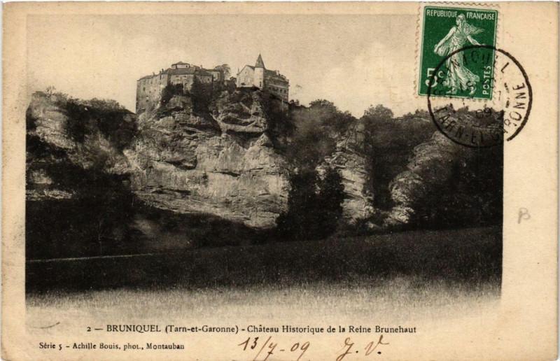 Carte postale ancienne Bruniquel Chateau Historique de la Reine Brunehaut à Bruniquel