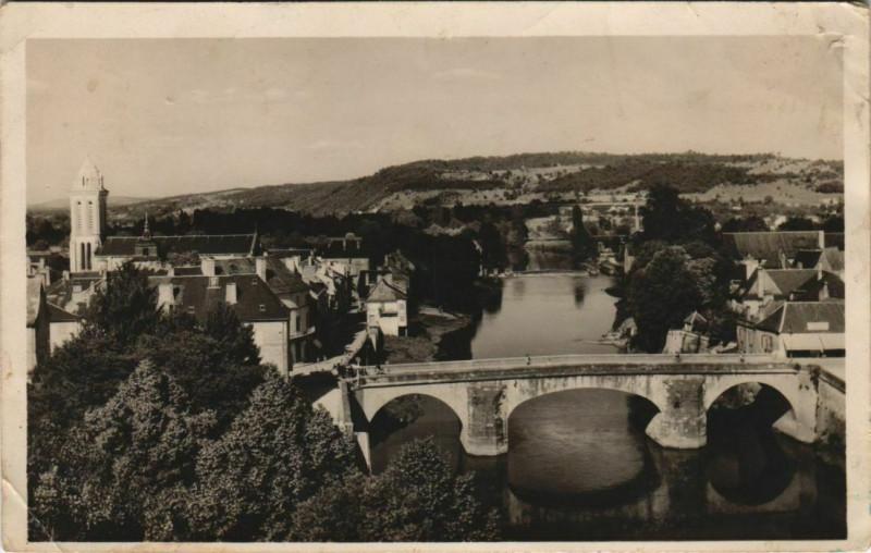 Carte postale ancienne Montignac-sur-Vezere - Vue Generale à Montignac