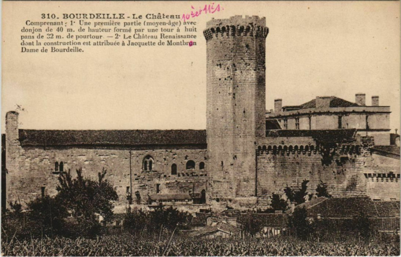 Carte postale ancienne Bourdeilles - Le Chateau à Bourdeilles