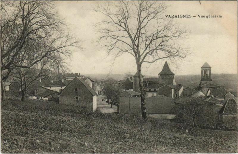Carte postale ancienne Varaignes - Vue générale à Varaignes
