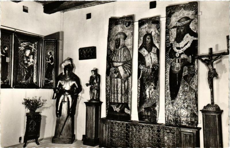 Carte postale ancienne Musée de la Forte de Reignac a Tursac - La Salle des primitifs à Tursac