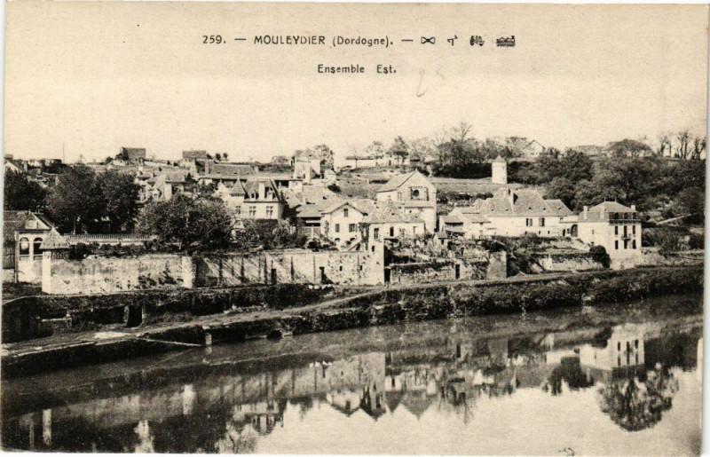 Carte postale ancienne Mouleydier-Ensemble Est à Mouleydier