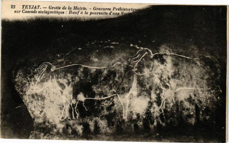 Carte postale ancienne Teyjat-Grotte de la Mairie à Teyjat