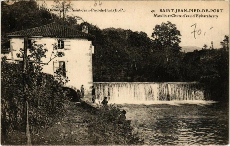 Carte postale ancienne Saint-Jean-Pied-de-Port - Moulin et Chute d'eau d'Eyharaberry à Saint-Jean-Pied-de-Port