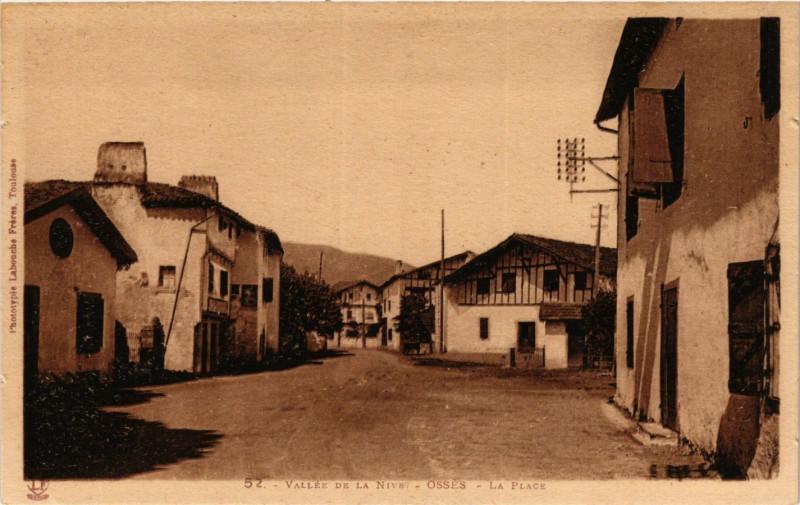 Carte postale ancienne Vallée de la Nive - Osses - La Place à Ossès