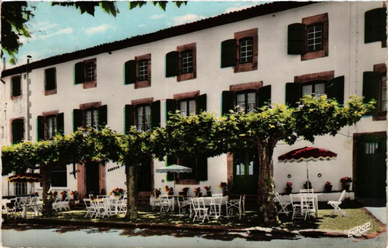 Carte postale ancienne Sare (B.-Pyr.) - Hotel Arraya - Paul Fagoaga proprietaire à Sare