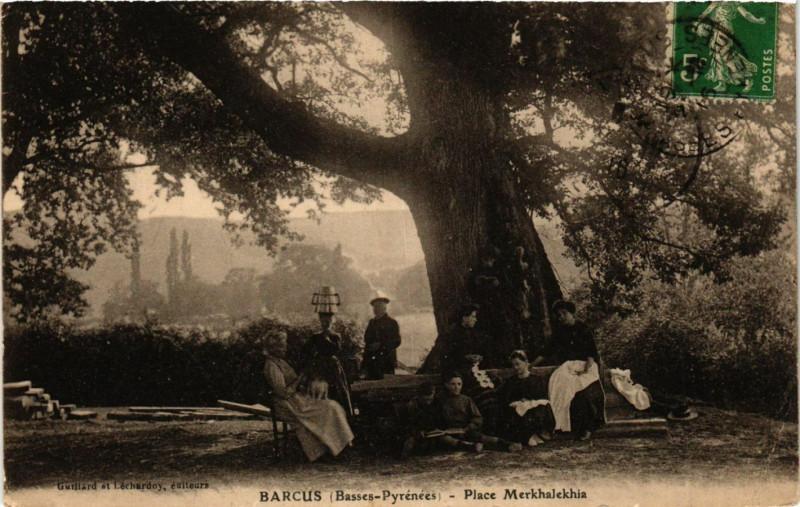 Carte postale ancienne Barcus - Place Merkhalekin à Barcus