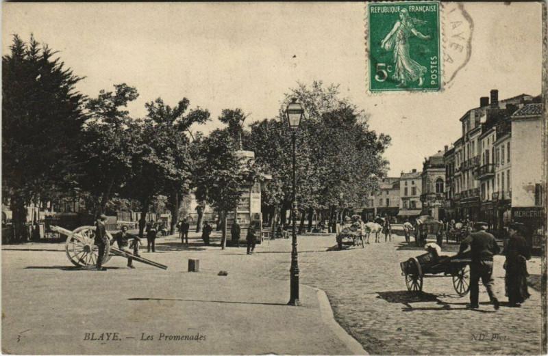 Carte postale ancienne Blaye - Les Promenades à Blaye