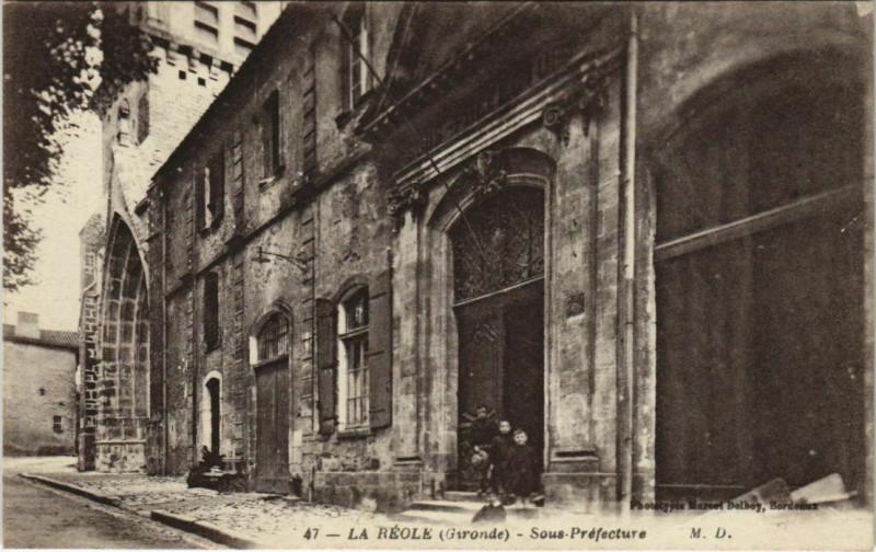 Carte postale ancienne La Reole-Sous Préfecture à La Réole