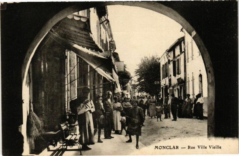 Carte postale ancienne Monclar-Rue Ville Vieille à Monclar