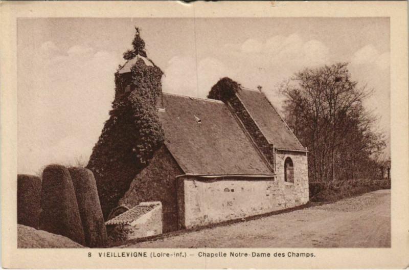 Carte postale ancienne Vieillevigne Chapelle Notre Dame des Champs à Vieillevigne