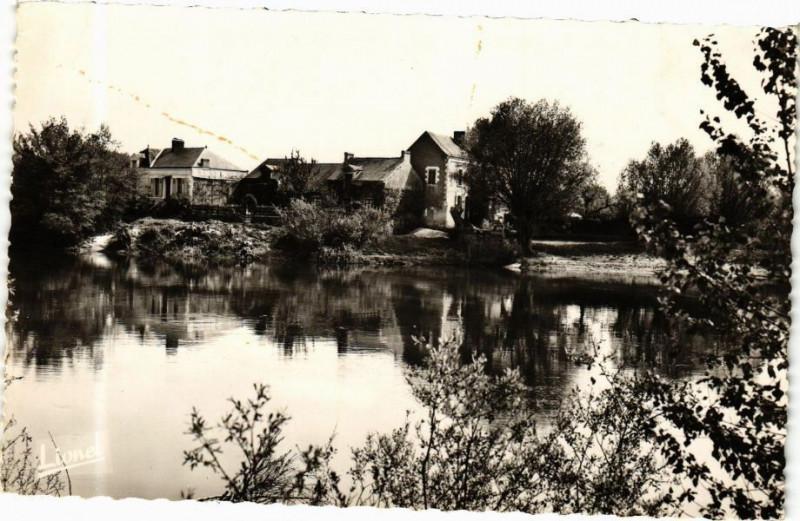 Carte postale ancienne Env. de Denée-Moze-sur-Louet - Port Bitou au bord du Louet à Denée